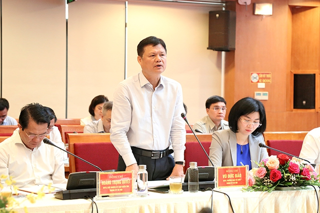 Bí thư Thành ủy Vương Đình Huệ làm việc với lãnh đạo quận Hà Đông - Ảnh 3.
