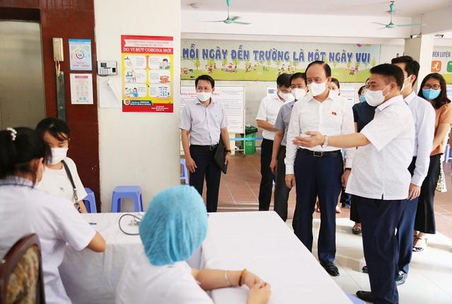 Chủ tịch HĐND TP Nguyễn Ngọc Tuấn: Hoàn Kiếm triển khai ngay 6 nhiệm vụ để phòng dịch hiệu quả - Ảnh 1.
