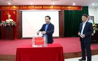 Cán bộ, công chức, viên chức, người lao động Sở Thông tin và Truyền thông Hà Nội quyên góp ủng hộ đồng bào miền Trung