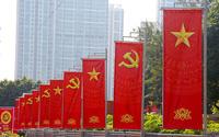 Hà Nội tràn ngập không khí phấn khởi, tươi vui chào mừng Đại hội lần thứ XIII của Đảng